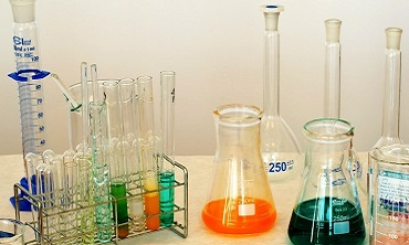 Identification and Naming of Substances under REACH and CLP